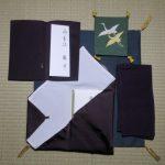お布施を渡すときの「袱紗(ふくさ)」の包み方・向き・渡し方と、おすすめ袱紗7選